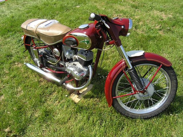 Connaissez-vous l'histoire du permis moto?